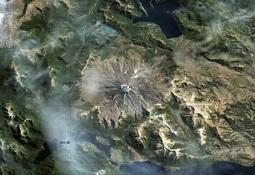 Niva Chile entrega recomendaciones por alerta amarilla del volcán Lanín