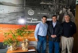 Elanco reconoce a empresas que produjeron salmón sin antibióticos
