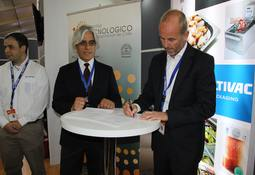 Centech firma alianza con centro de entrenamiento de Multivac Chile