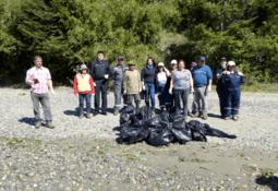 Sealand organizó limpieza de playas en Punta Peuque