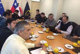 Magallanes: salmonicultores se reúnen con Gobernación Marítima