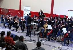 """Blumar apoya concierto """"Violeta Parra y Víctor Jara Sinfónico"""""""