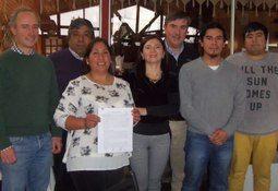 Aquachile firma convenio colectivo con planta Calbuco