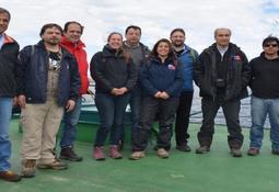 Integrantes del SEA Magallanes visitaron centro de cultivo