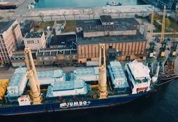Watch: Jumbo shipment of feed barges