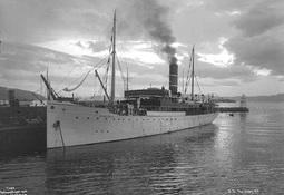 DS Haakon VII endte sin ferd på en holme på Vestlandet
