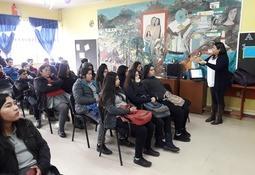 Hornopirén: Intesal realizó charla a alumnos de acuicultura