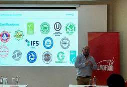 Salmofood dictó workshop para clientes extranjeros