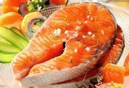 Continúa descenso en precio del salmón noruego