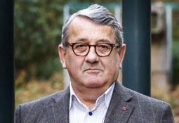 Per Kristian Foss (H) var en katastrofe for norsk skipsfart, hevder forfatter.