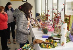 Nova Austral realizó muestra de artesanías de sus colaboradoras