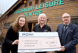 Mowi dives in to help swimming pool roof fund