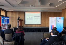 Exponen principales desafíos para exportación de salmón chileno