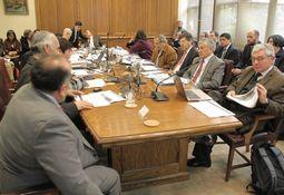 Senadores evaluarán norma que exige 10% de recaptura de salmones