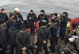Peritajes submarinos de barcaza Navsur IV logran 30% de avance