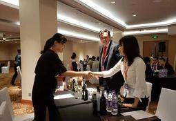 Salmón estuvo presente en gala de Chile Week en Shangái