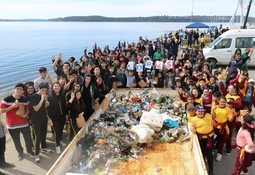 AquaChile participa en el Día Internacional de Limpieza de Playas