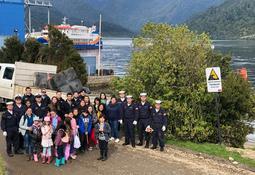 Mowi participa en limpieza de playas en  Los Lagos y Aysén