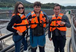 Jóvenes Ayseninos multiplican su interés por la salmonicultura