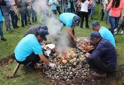 Salmones Blumar apoya proyecto turístico de pescadores artesanales