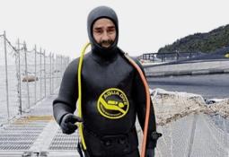 Chilean divers bid to end salmon farm death toll