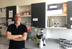 Científico detalla brechas para el desarrollo de vacunas eficaces en salmonicultura