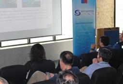 Coordinan logística de exportación acuícola en aeropuerto de Santiago