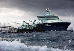 Wellboat más grande del mundo se acerca a su destino final