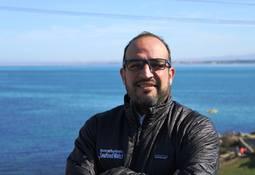 Reclutan a veterinario chileno para programa de acuicultura sustentable