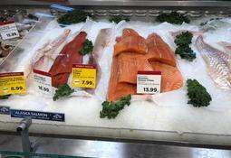 Salmonicultores chilenos atentos ante huelgas en supermercados de EE.UU.