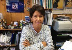 Investigadora UACh escribe libro sobre bioseguridad en producción de salmón