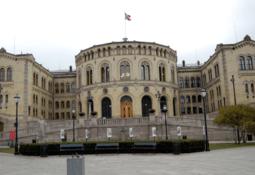 Gobierno noruego planea instaurar impuesto a la producción salmonicultora