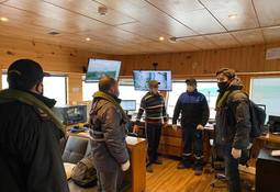 Fiscalizan medidas contra covid-19 en centros de cultivo de salmones