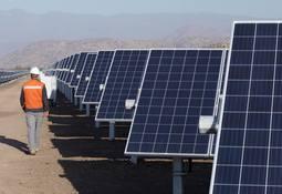 Camanchaca firma acuerdo con Colbún para utilizar energía 100% renovable