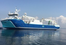 Hybrid ship offers greener feed deliveries from BioMar