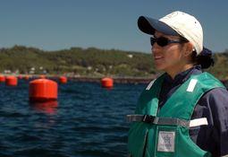 Avanza iniciativa para aumentar la participación de mujeres en salmonicultura