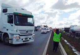 Lastebilstreik stopper laksen