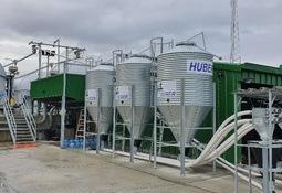 Huber instala novedosos sistemas de alimentación en piscicultura Lago Sofía