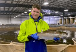 AquaBounty vende primera cosecha a escala comercial de su salmón transgénico