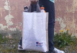 Alianza entre BluRiver y Puro Viento transforma maxisacos en bolsas reutilizables