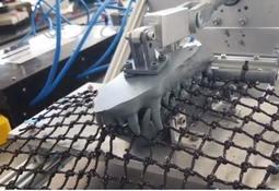 El primer robot que prueba resistencia  de redes salmonicultoras a mordidas