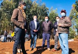 Empresa regional negocia con salmonicultoras para convertir desechos en fertilizantes