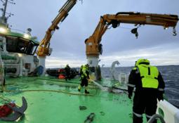Satser tungt med flere hybridfartøy under bygging