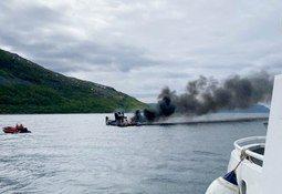Barco de trabajo de Cermaq se hundió tras incendio