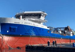 Nuevo wellboat Patagón XI inicia construcción tras botadura de Patagón X
