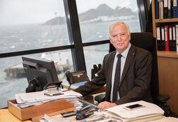 Kjøper aksjer i Fjord1 for 450 millioner kroner