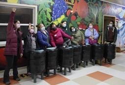 El proyecto de Economía Circular que reutiliza boyas salmonicultoras para uso comunitario