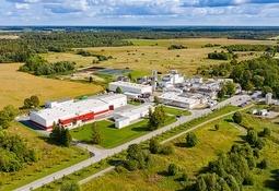 Gjær fra norske grantrær i fôr til laks og gris –  vellykket produksjon i industriskala
