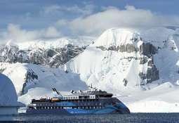 Tre av seks cruiseskip levert