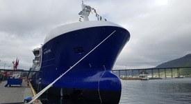 Se bildene fra dåpen av brønnbåten Ro Fortune